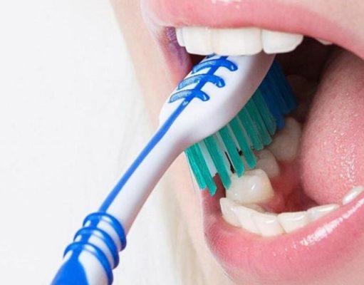Diş Fırçalama Teknikleri ve Dil Temizliği